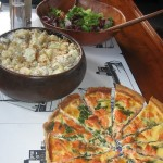 Salmon, dill and spinach quiche, pot salad & green salad & V